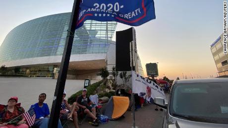 Trump versucht das Schicksal mit der Tulsa-Kundgebung während einer Pandemie und einer nationalen Rassenrechnung