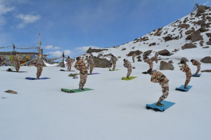 Indien China Grenze Itbp Yoga
