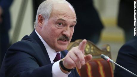Präsident Alexander Lukaschenko spricht während eines Gipfeltreffens am 20. Dezember 2019 in St. Petersburg, Russland.