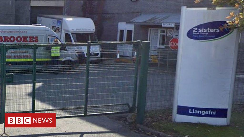 2 Schwestern Anglesey: 158 Fabrikmitarbeiter haben Coronavirus