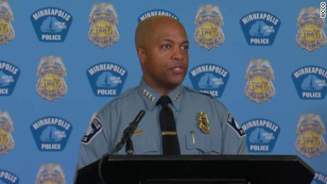Der Polizeichef von Minneapolis sagt, die Familie von George Floyd werde seine Reformbemühungen anregen