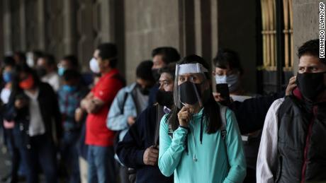 Mexiko und Teile Brasiliens öffnen nach der Sperrung wieder - trotz steigender Coronavirus-Fälle