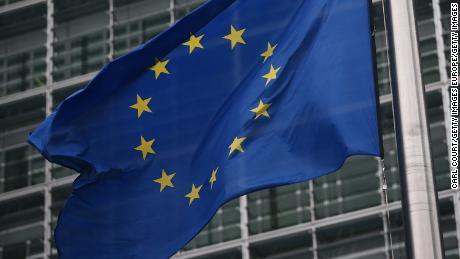 Die Europäische Union überlegt, Reisende, einschließlich Amerikaner, wegen Coronavirus zu blockieren
