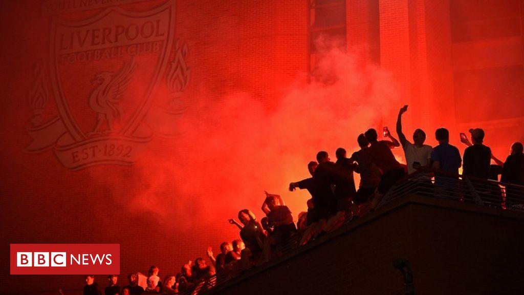 Liverpool FC: Ekstatische Fans feiern auf den Straßen