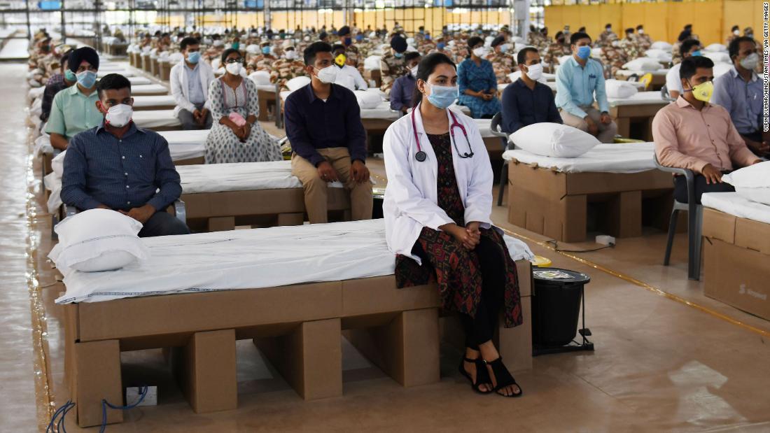 India Coronavirus: Nation eröffnet eines der größten Krankenhäuser der Welt