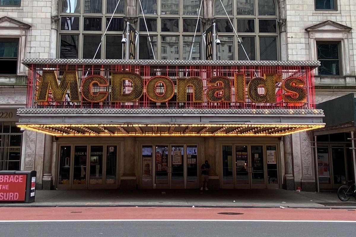 42nd Street McDonald's am Times Square schließt endgültig