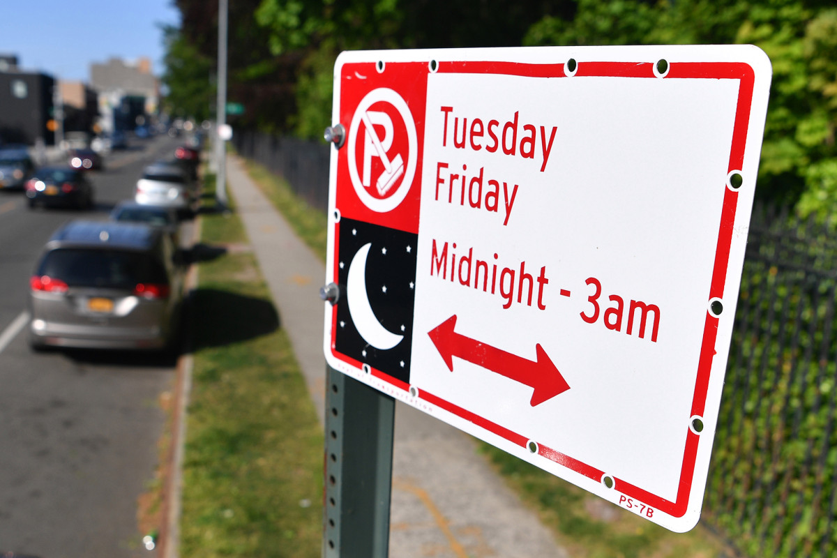 Bill de Blasio kündigt neue Parkregeln für alternative Seiten in NYC an
