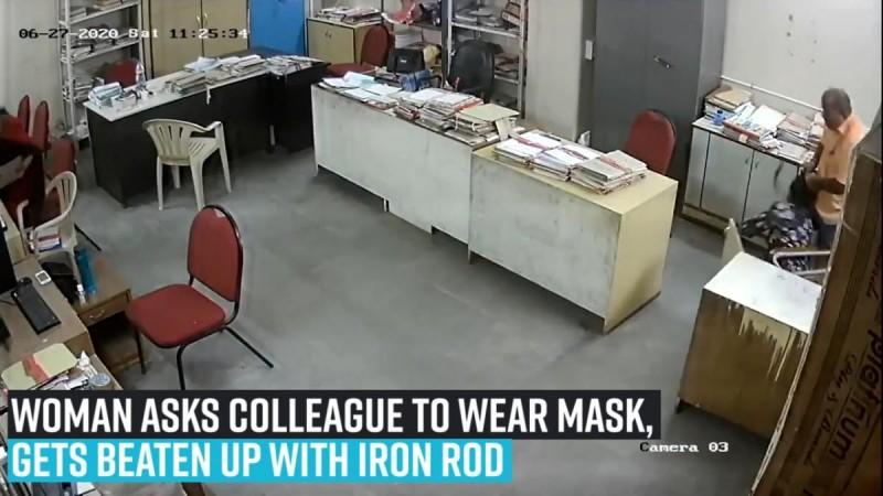 Frau bittet Kollegin, Maske zu tragen, wird mit Eisenstange zusammengeschlagen