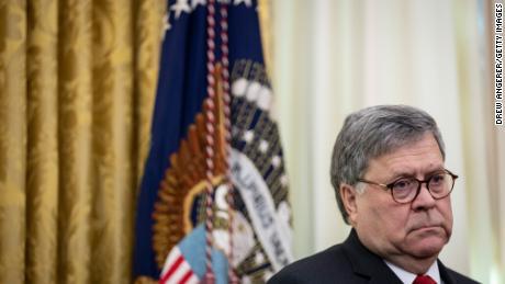 Staatsanwälte beschuldigen Barr und das Justizministerium, Ermittlungen politisiert zu haben