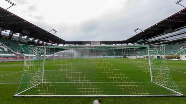 Fußballkommentatoren müssen sich mit rassistischen Vorurteilen befassen, sagt PFA