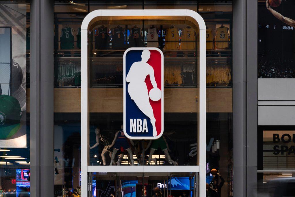 NBA wird 'Black Lives Matter' für den Rest der Saison auf die Plätze bringen