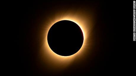 Atemberaubende Fotos der Sonnenfinsternis über Südamerika