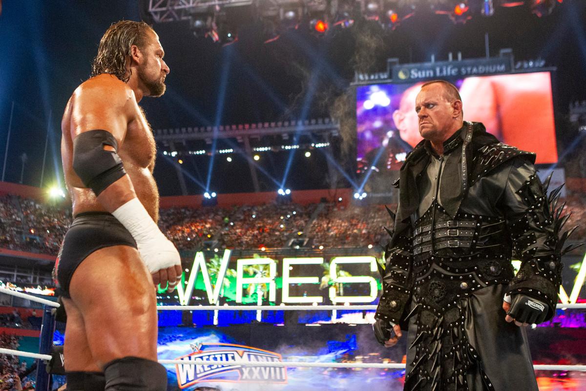 Triple H reflektiert den Undertaker, seinen eigenen Selbstzweifel