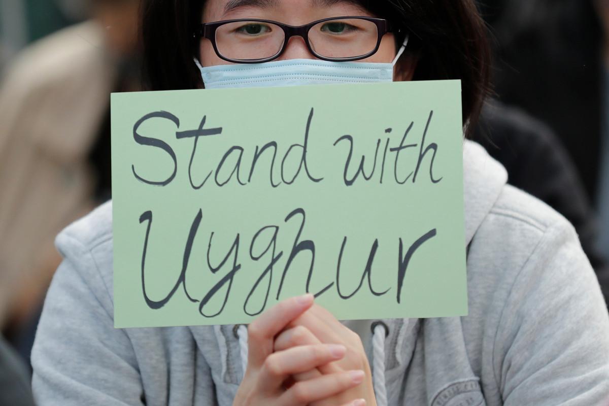 """Trump unterzeichnet Sanktionsgesetz über Chinas uigurische """"Konzentrationslager"""""""
