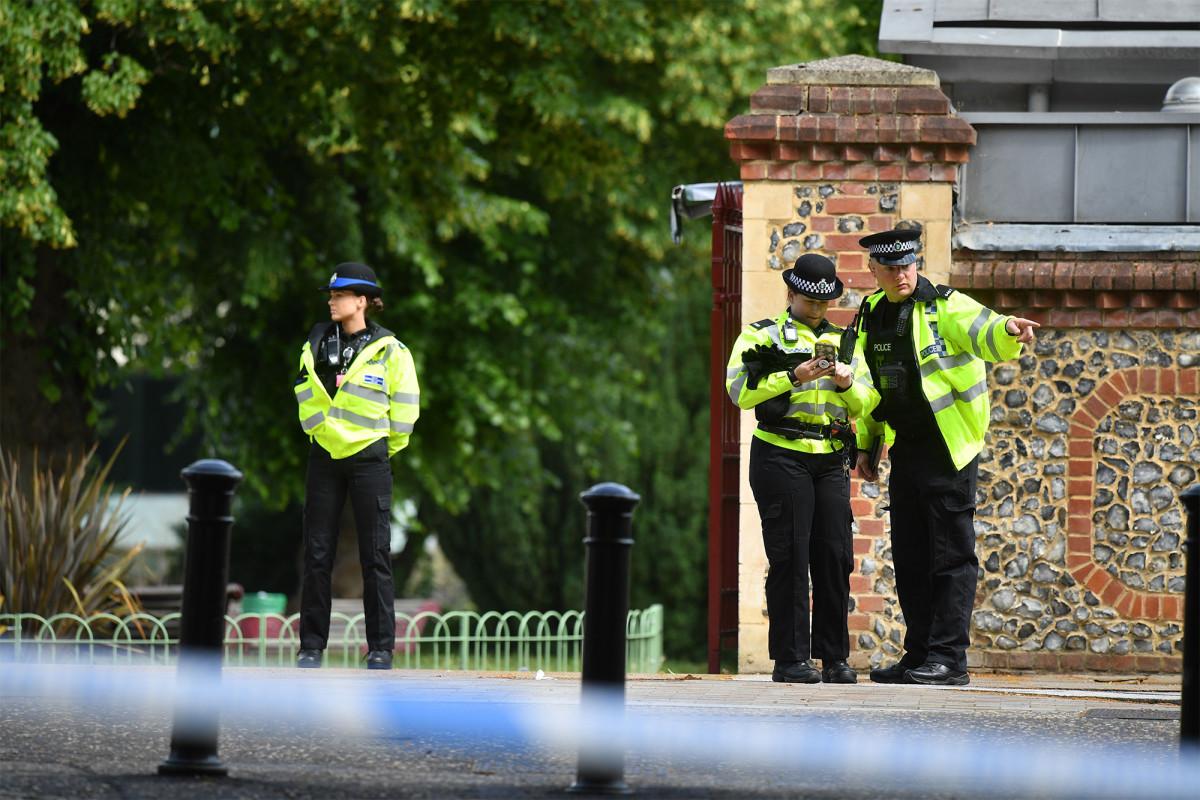"""Verdächtiger identifiziert in """"Terror-bezogenen"""" England erstechen Amoklauf"""