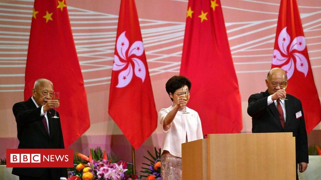 Hongkong: Das Anti-Protest-Gesetz tritt in Kraft, als die Stadt die Übergabe markiert