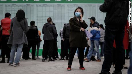 80 Millionen Chinesen sind möglicherweise bereits arbeitslos. Bald werden auch 9 Millionen weitere um Arbeitsplätze konkurrieren