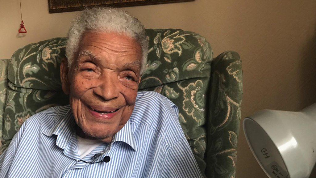Der britische Film- und Fernsehstar Earl Cameron stirbt im Alter von 102 Jahren