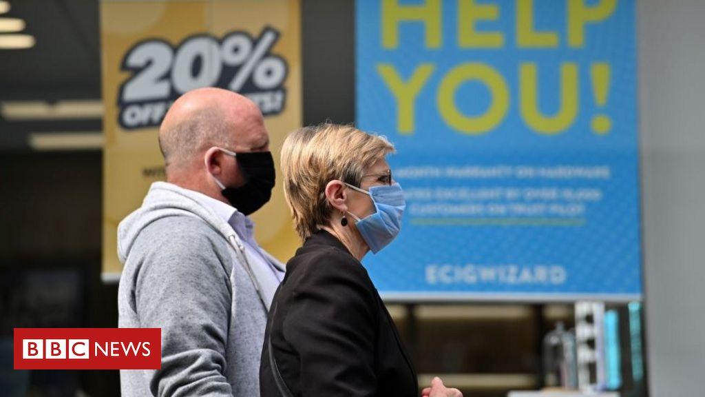 Coronavirus: Tragen Sie Masken in überfüllten öffentlichen Räumen, sagt der Wissenschaftsverband