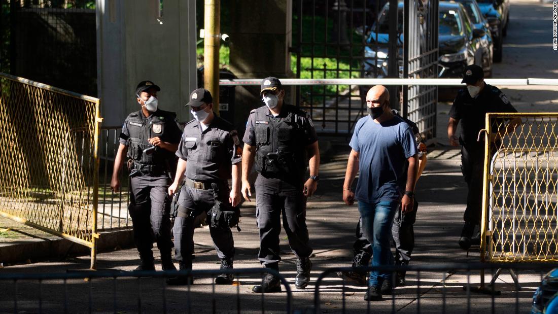 Wenn Coronavirus-Fälle in Brasilien explodieren, werden auch Korruptionsuntersuchungen durchgeführt