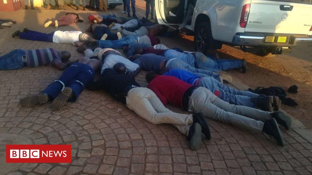 """Angriff der südafrikanischen Kirche: Fünf Tote nach """"Geiselsituation"""""""