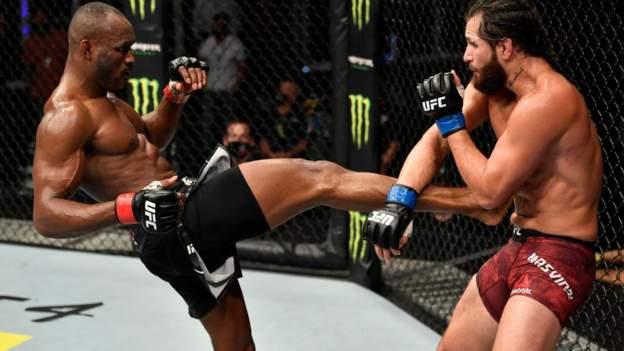 UFC 251: Weltergewichts-Champion Kamaru Usman besiegt Jorge Masvidal auf 'Fight Island'