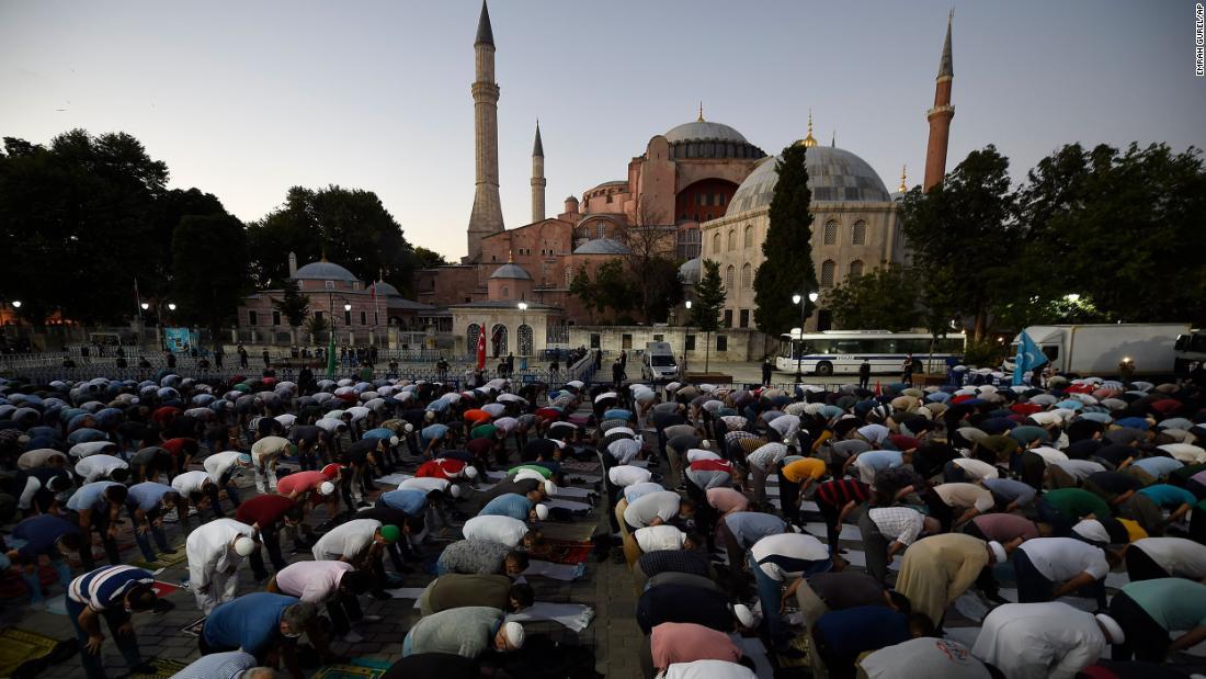 """Hagia Sophia: Papst Franziskus """"sehr traurig"""", als die Türkei das Museum in eine Moschee verwandelt"""