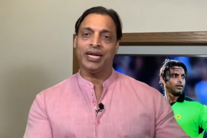 God bless you: Shoaib Akhtar responds as troll attacks him for wishing Big B