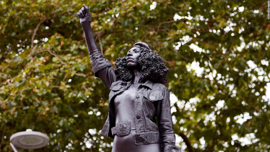 Die Edward Colston Statue wurde durch eine von einem Bristol Demonstranten ersetzt