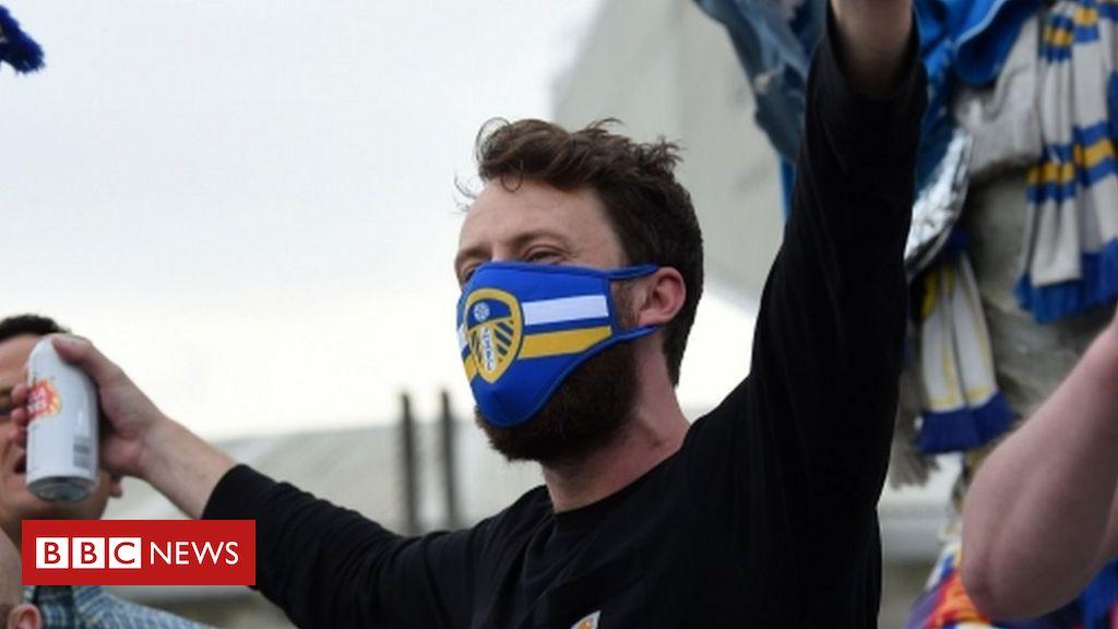 Leeds-Fans versammeln sich in der Elland Road, um die Promotion zu feiern