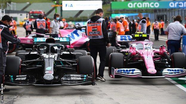 Lewis Hamilton und Lance Strolls Auto standen nebeneinander
