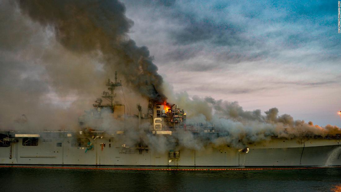 USS Bonhomme Richard: Schiffsbrand könnte die Pazifikflotte der US Navy jahrelang behindern
