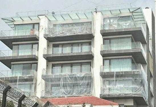 Shah Rukh Khans Haus Mannat in Plastikfolien