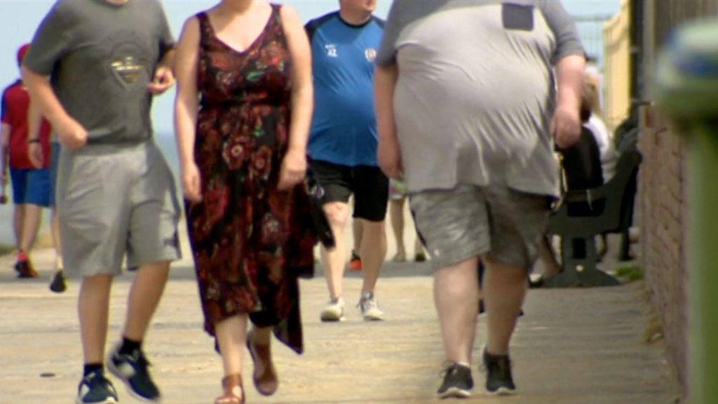 Coronavirus: Strategie für Fettleibigkeit, Quarantäne in Spanien und Lockerung der Sperrung in Wales