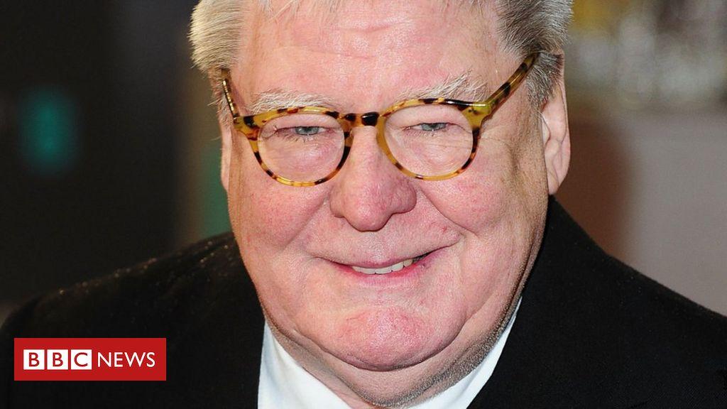 Sir Alan Parker, Direktor von Bugsy Malone und Evita, stirbt im Alter von 76 Jahren
