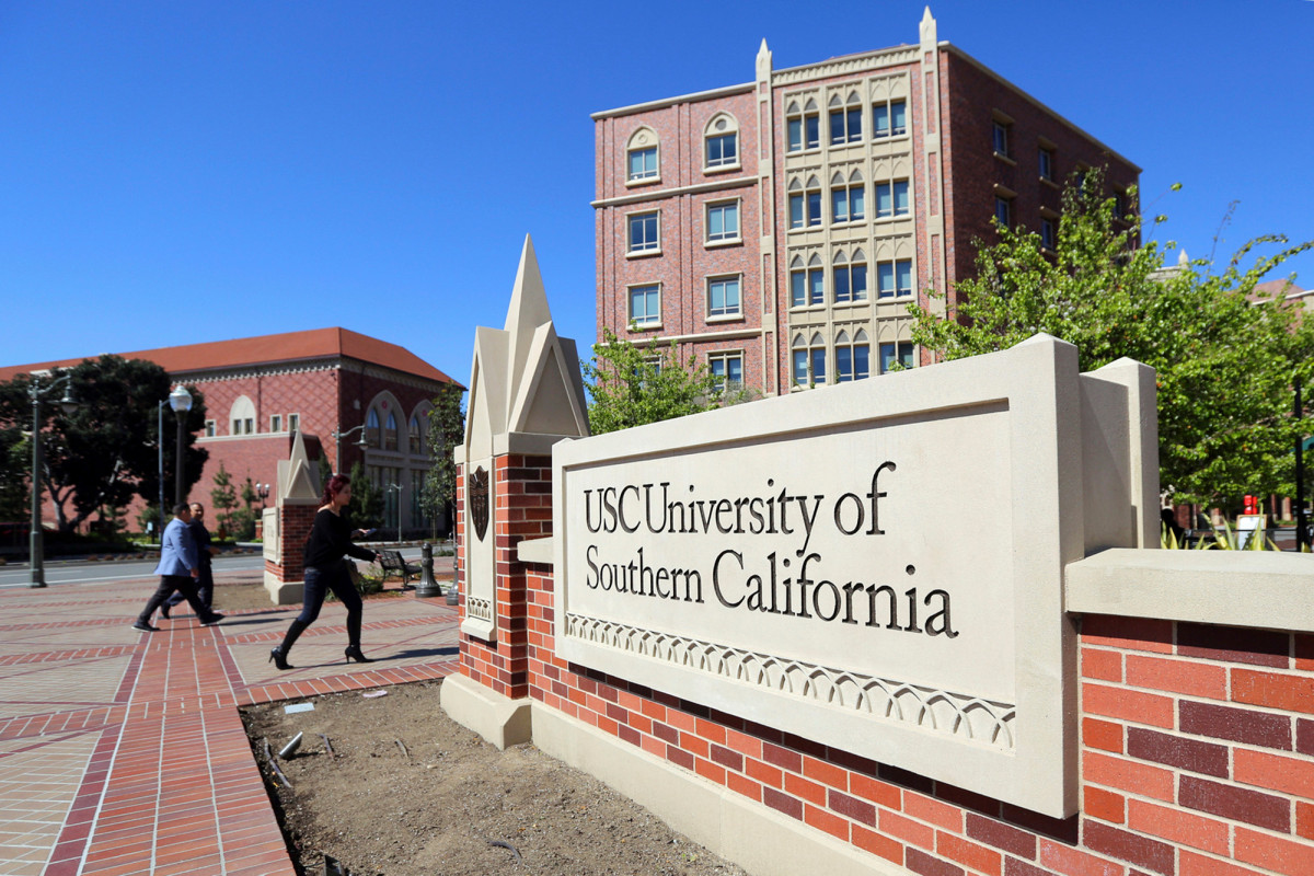 Das kalifornische Ehepaar stimmt den Schuldbekenntnissen beim Betrug bei der Zulassung zum College zu