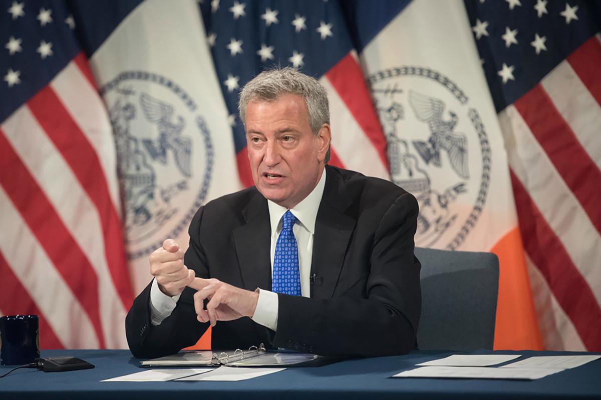 Das neue Budget von NYC schlägt, anstatt sich der Realität zu stellen