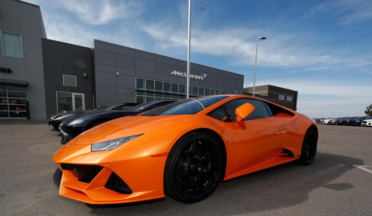 Der Mann aus Miami hat Lamborghini, Dating-Sites und Hotelaufenthalte mit PPP-Mitteln belegt