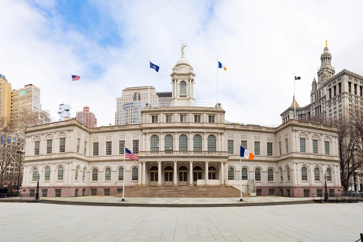 Der Privatsektor blutet, als der Stadtrat von NYC seinen eigenen Gürtel kaum enger schnallt