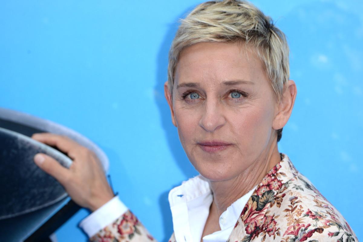 Der Produzent von Ellen DeGeneres forderte die Gäste auf, ihr ein Kompliment zu machen