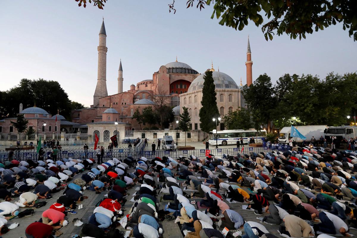 Der türkische Präsident Erdogan macht die Hagia Sophia offiziell zu einer Moschee