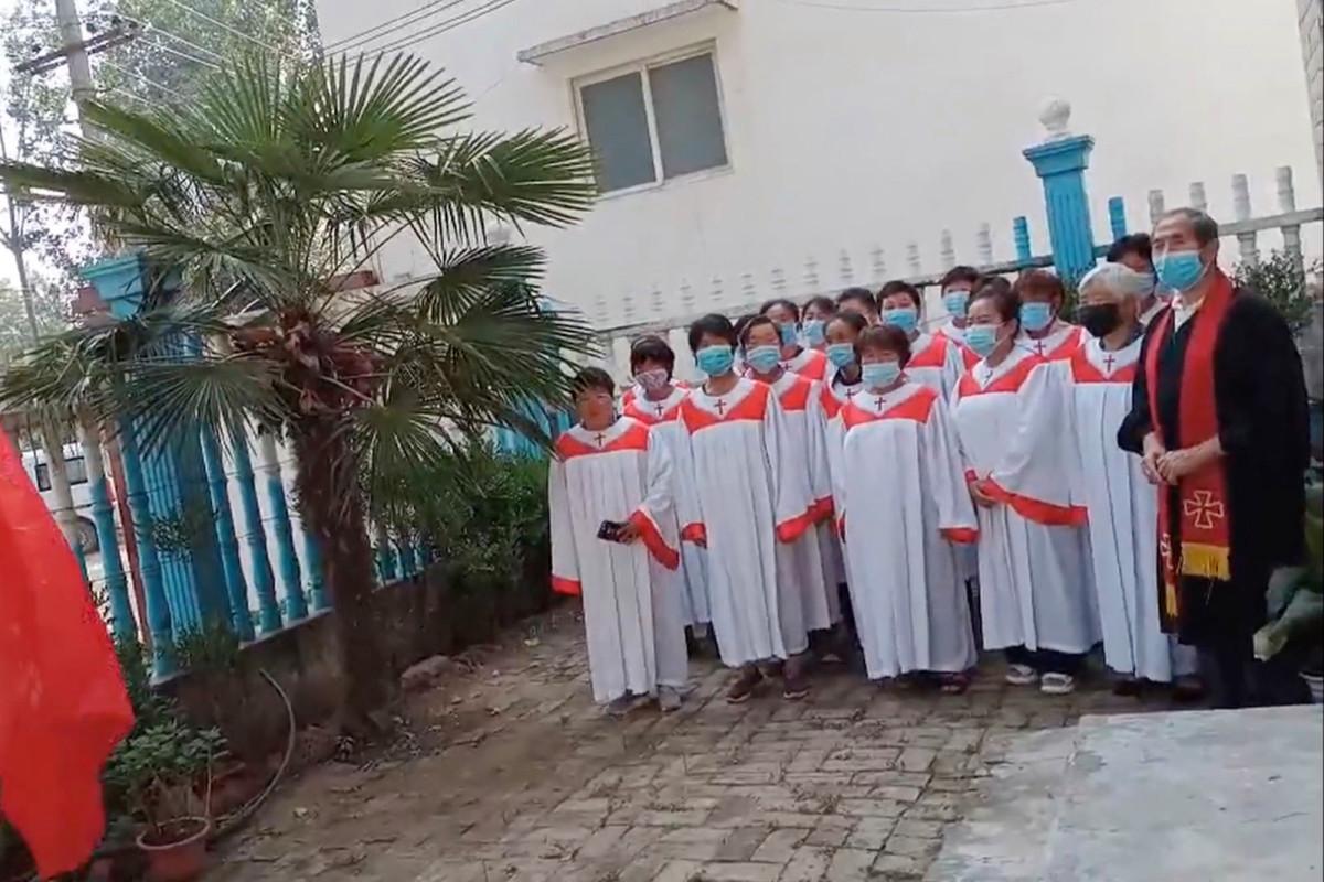 Die chinesischen Kirchen befahlen, Xi Jinpings Umgang mit dem Coronavirus vor seiner Wiedereröffnung zu loben