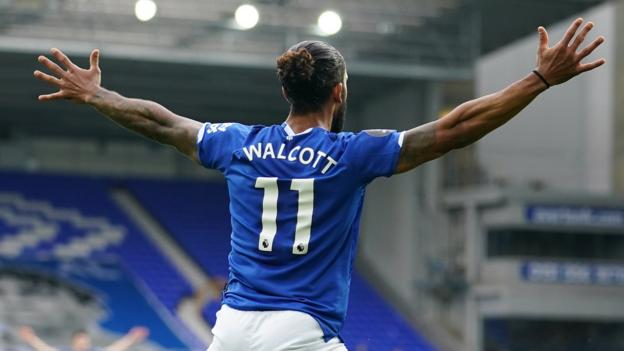 Everton 1: 1 Aston Villa: Der späte Ausgleichstreffer von Theo Walcott bestreitet den entscheidenden Sieg von Villa