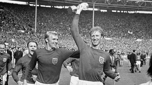 Jack Charlton: Der englische Weltmeister und ehemalige Chef der Republik Irland stirbt im Alter von 85 Jahren
