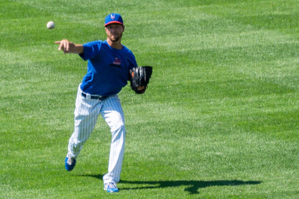 Jacob DeGrom sieht während des simulierten Mets-Spiels dominant aus
