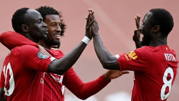 Liverpool 2: 0 Aston Villa: Sadio Mane & Curtis Jones treffen, während die Roten den Heimsieg verlängern