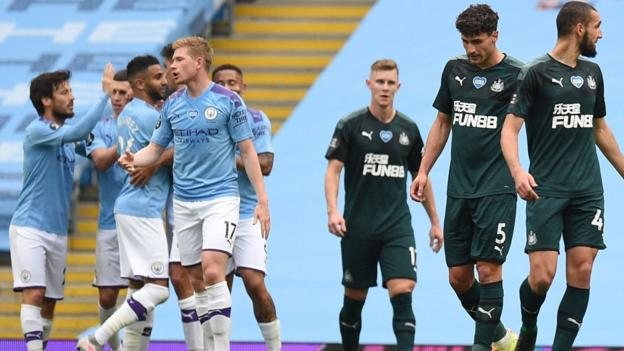 Man City 5: 0 Newcastle: Gabriel Jesus, Riad Mahrez, David Silva und Raheem Sterling treffen