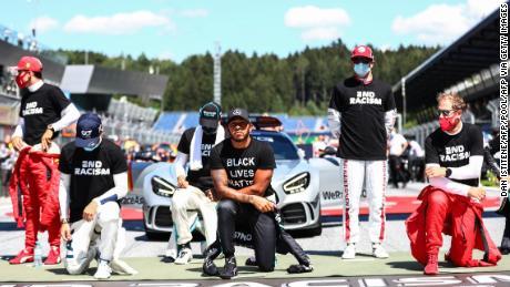 Lewis Hamilton kniet vor dem österreichischen Prix, aber sechs Fahrer wollten nicht knien.