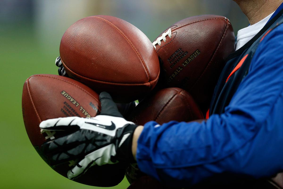 NFL-Spieler riskieren die Bezahlung, wenn Aktivitäten mit hohem Risiko zu COVID führen