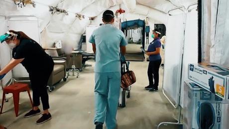 WHO-Chef verprügelt & # 39; mangelnde Führung & # 39; und fordert globale Einheit, da Coronavirus-Fälle weltweit zunehmen